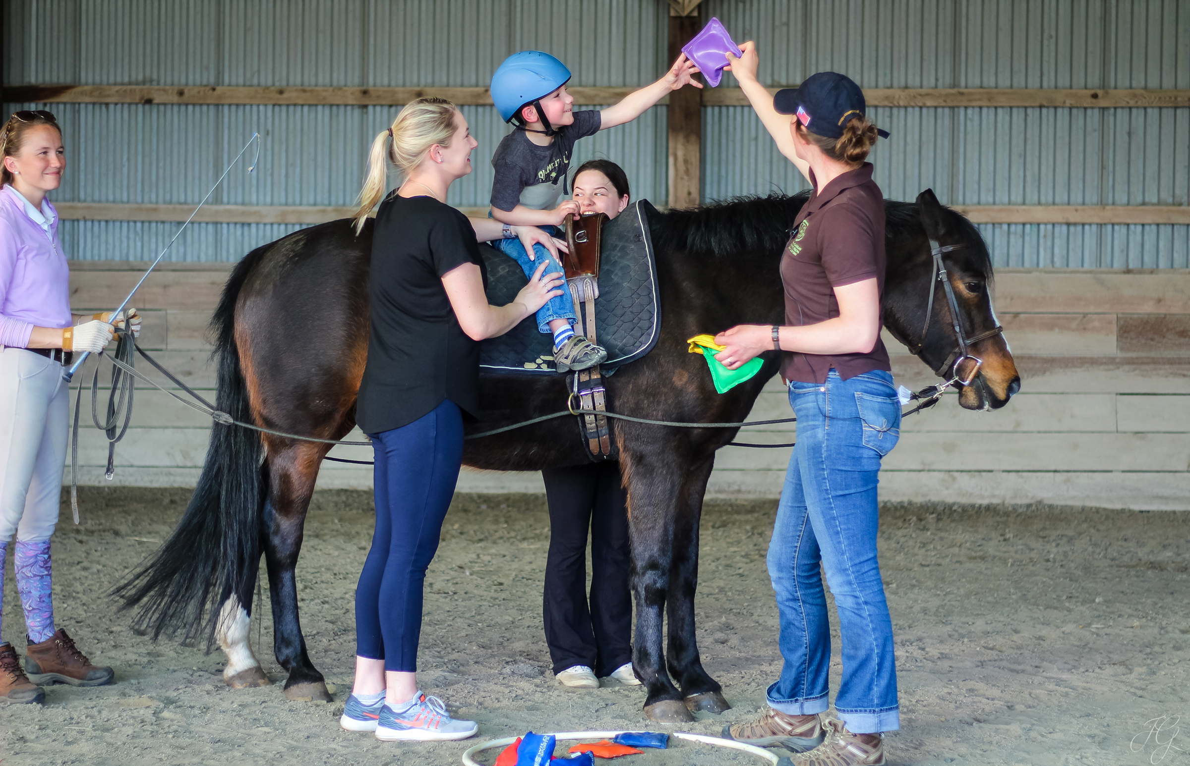 photo of hippotherapy class